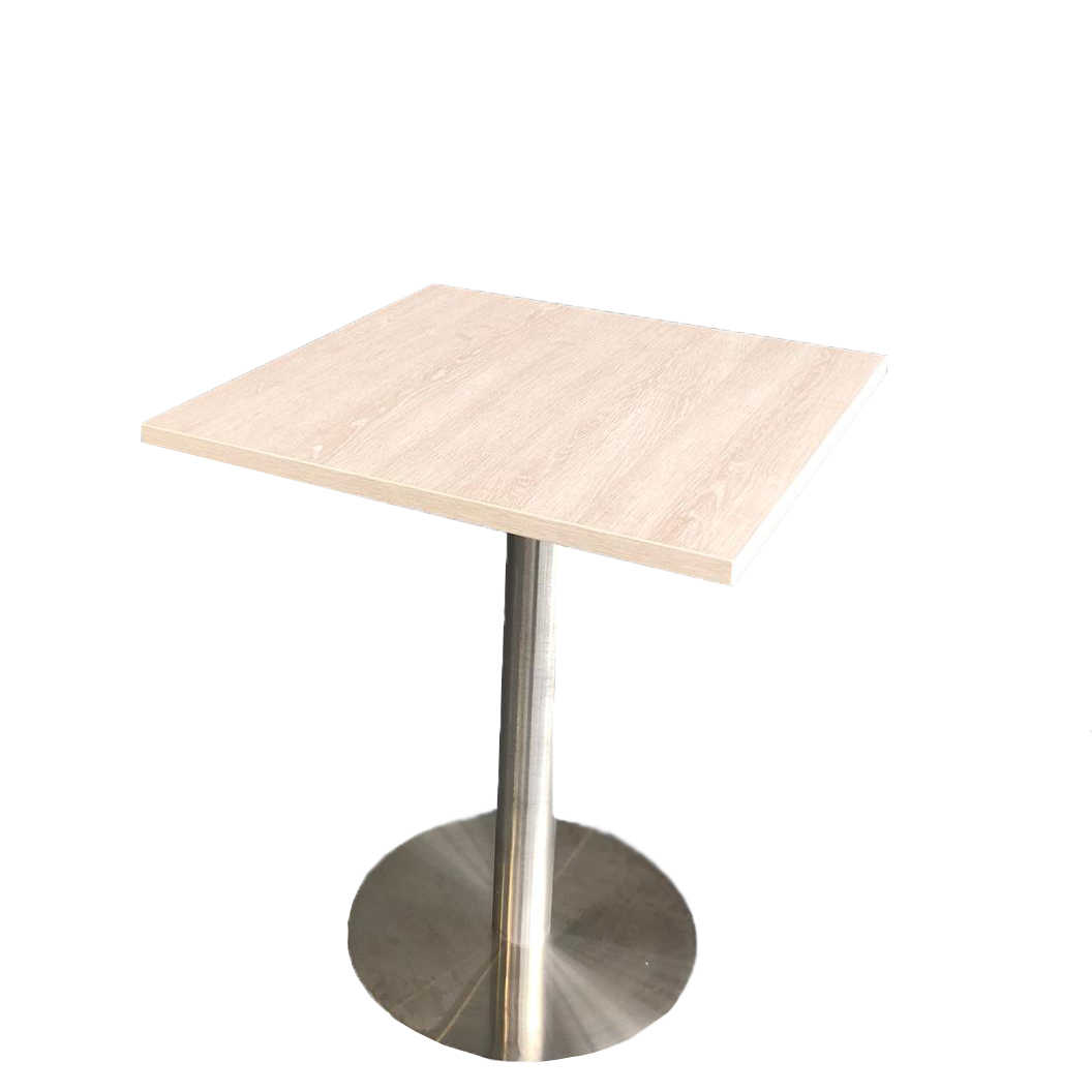 Xoni 66,  Tisch