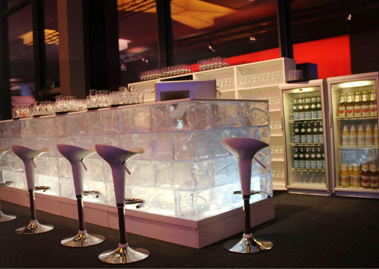 Luxus-Barhocker BOMBO - Designer-Tresenhocker-Klassiker (Stefano Giovannoni, Magis - für Bar, Gastro, Lounge)